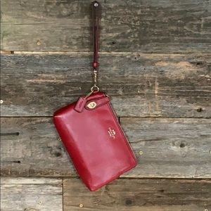 Coach Red Wristlet G1481 New without tags Flawless